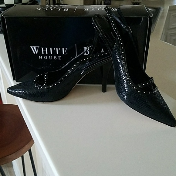 White House Black Market Shoes - Classy high heels